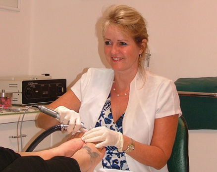 Karin Br 252 Ckner Podiatrist And Nail Surgery Specialist